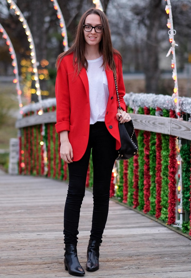 The Advantages of Red Blazer