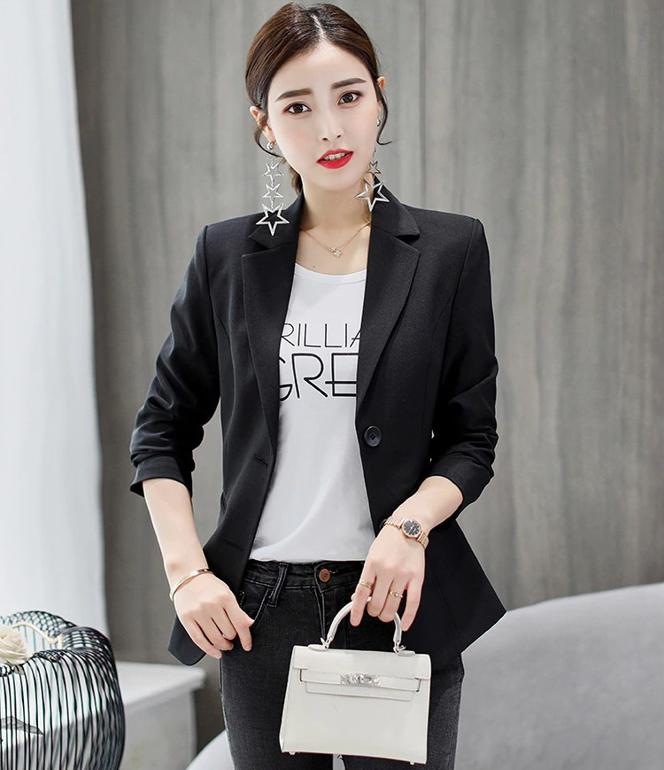 Choose A Black Blazer For Women