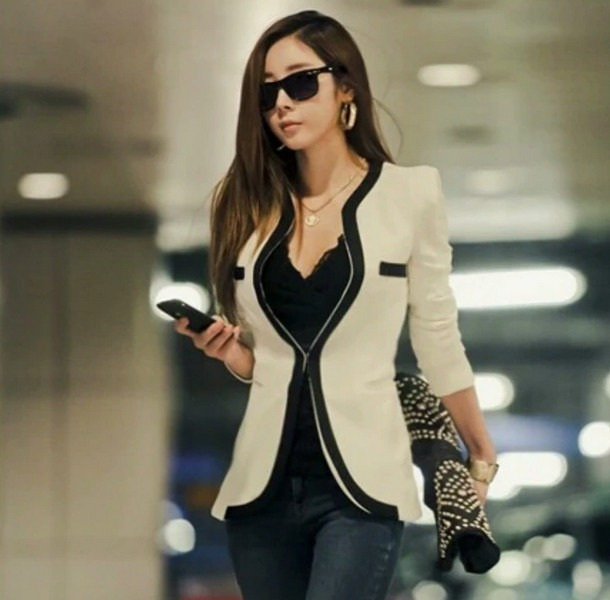 How to Wear a Womens Blazer Jacket
