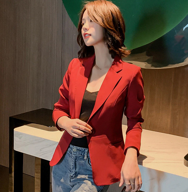How to Buy a Red Blazer For Women