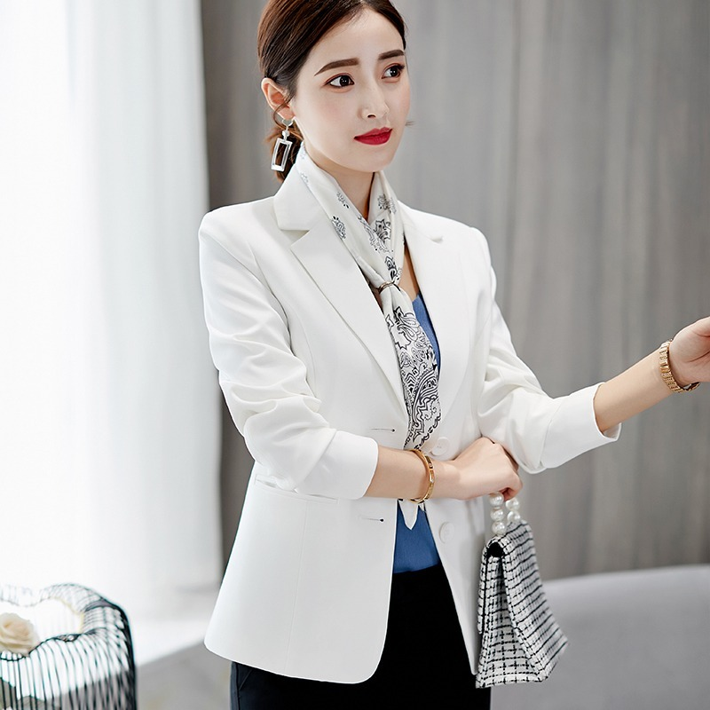 How to Wear White Blazers With Unique Looks