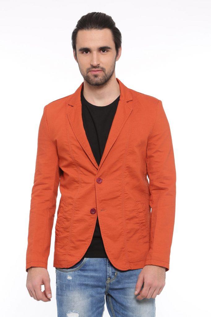The Orange Blazer Is A Great Fashion Statement