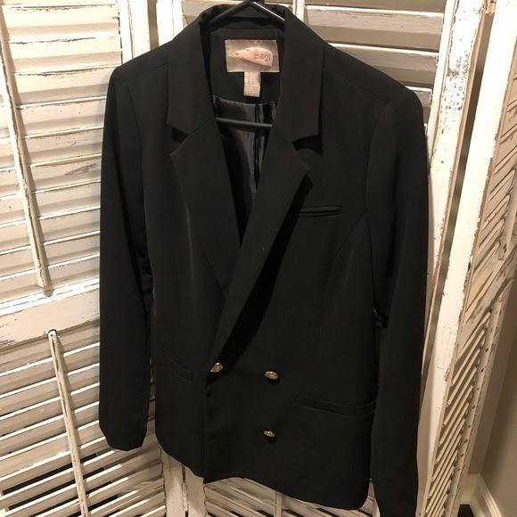 How To Wear Your Oversized Black Blazer