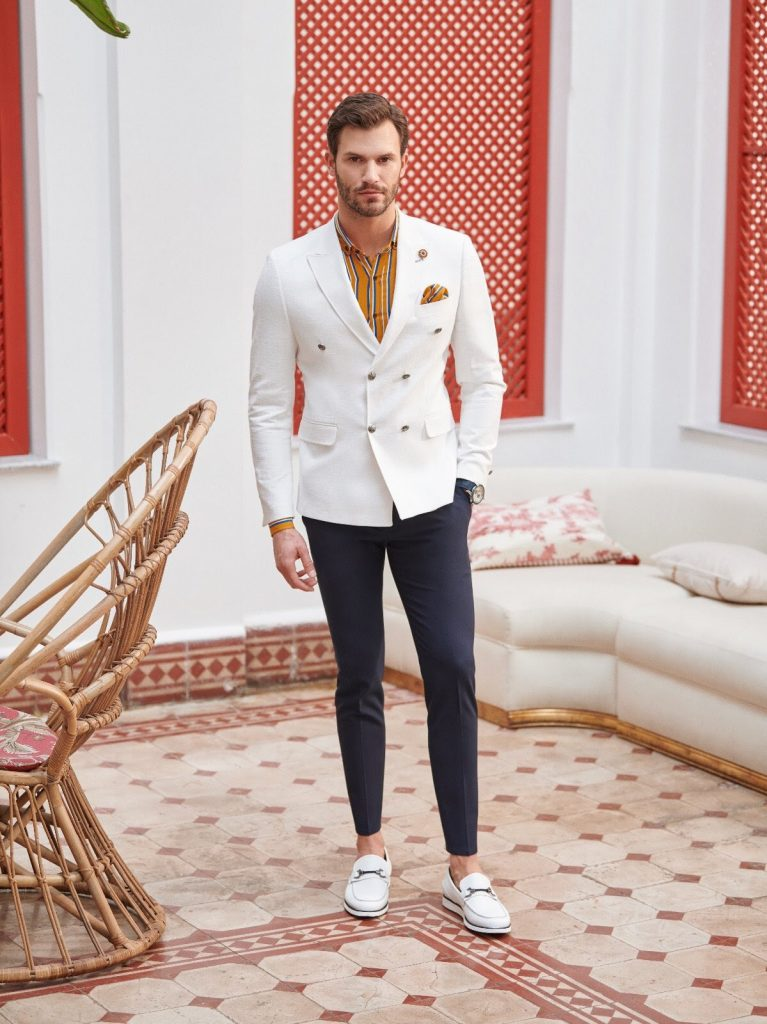 Complementing Suits With a Double Breasted Blazer